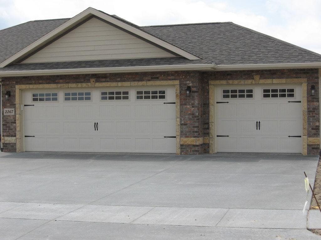 16x8 garage doorDubuqueland Door  Come Home To A Dubuqueland Door